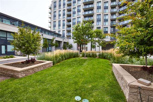 Condo Apartment at 12 Woodstream Blvd, Unit Ph1014, Vaughan, Ontario. Image 13