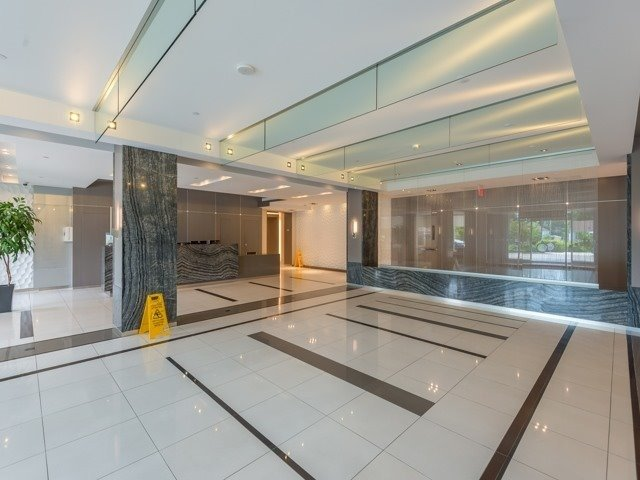 Condo Apartment at 7167 Yonge St, Unit 1511, Markham, Ontario. Image 8