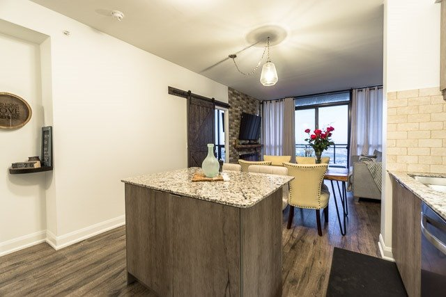 Condo Apartment at 2910 Highway 7 Rd, Unit 3004, Vaughan, Ontario. Image 15