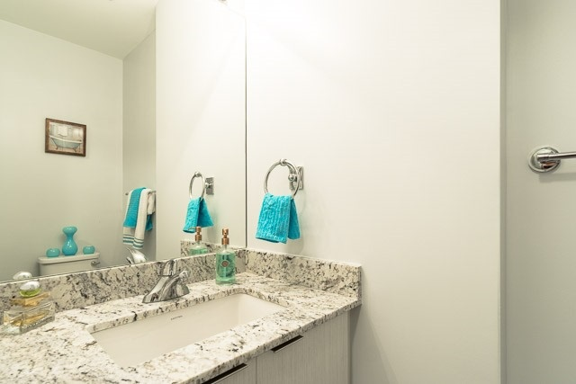 Condo Apartment at 2910 Highway 7 Rd, Unit 3004, Vaughan, Ontario. Image 8