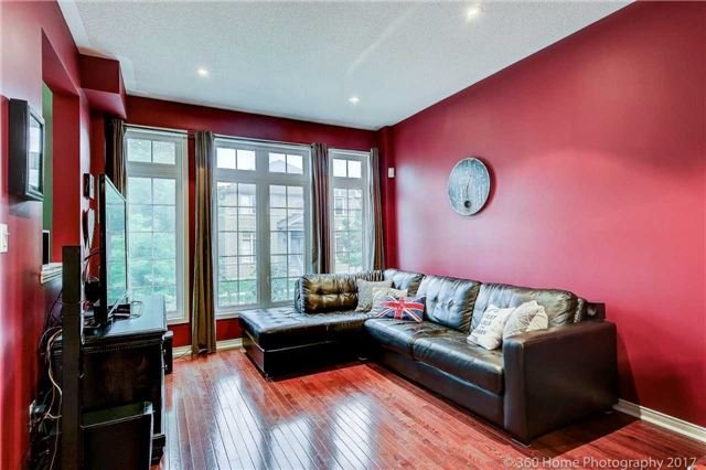 Detached at 14 Balsam St, Markham, Ontario. Image 14