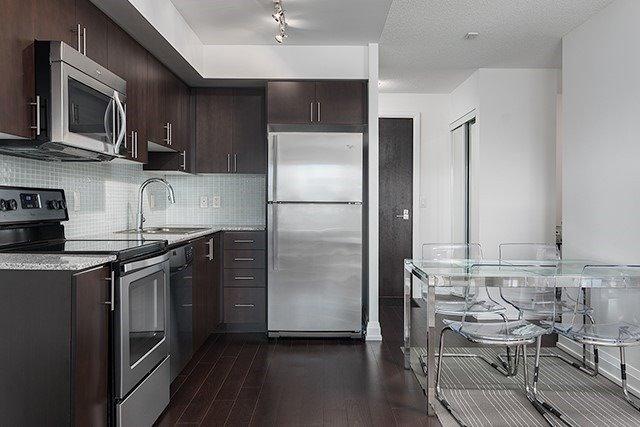 Condo Apartment at 370 Highway 7 Rd E, Unit 319, Richmond Hill, Ontario. Image 8