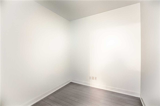 Condo Apartment at 2910 Highway 7 Rd, Unit 419, Vaughan, Ontario. Image 11