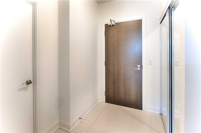 Condo Apartment at 2910 Highway 7 Rd, Unit 419, Vaughan, Ontario. Image 12