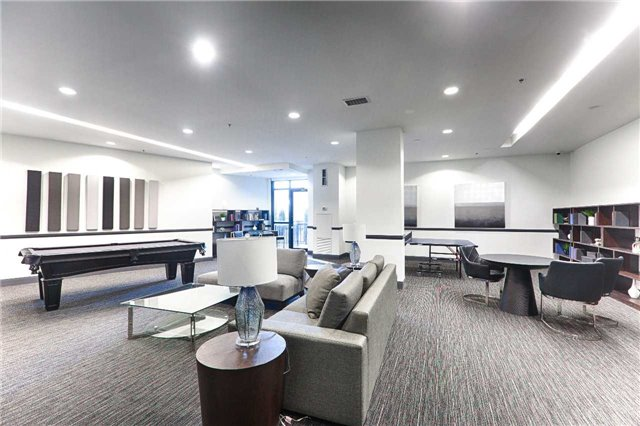 Condo Apartment at 2910 Highway 7 Rd, Unit 419, Vaughan, Ontario. Image 4