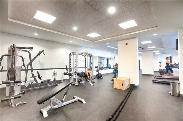 Condo Apartment at 2910 Highway 7 Rd, Unit 419, Vaughan, Ontario. Image 5