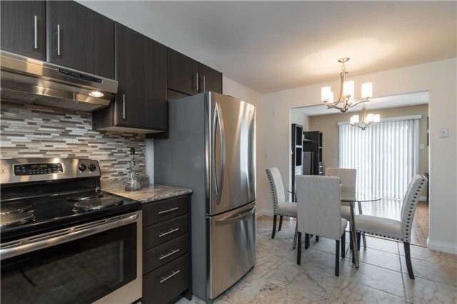 Semi-detached at 262 Aberdeen Ave, Vaughan, Ontario. Image 18