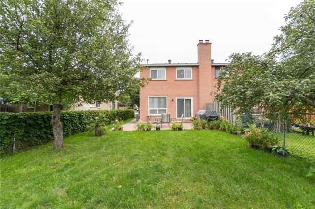 Semi-detached at 262 Aberdeen Ave, Vaughan, Ontario. Image 11