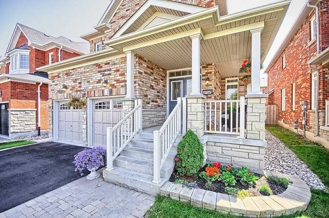 Detached at 71 Gundy Way, Aurora, Ontario. Image 11