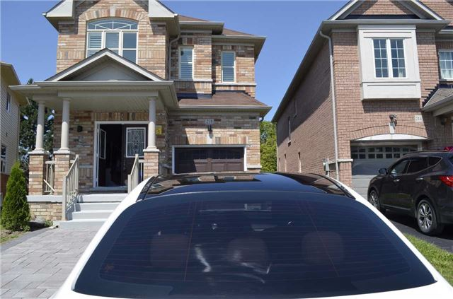 Detached at 218 Delbert Circ, Whitchurch-Stouffville, Ontario. Image 1