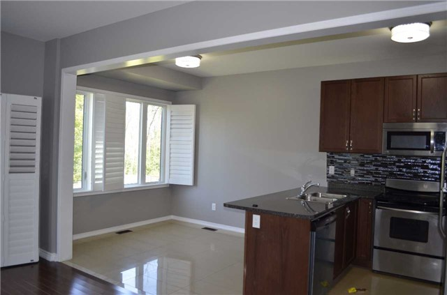 Detached at 218 Delbert Circ, Whitchurch-Stouffville, Ontario. Image 16