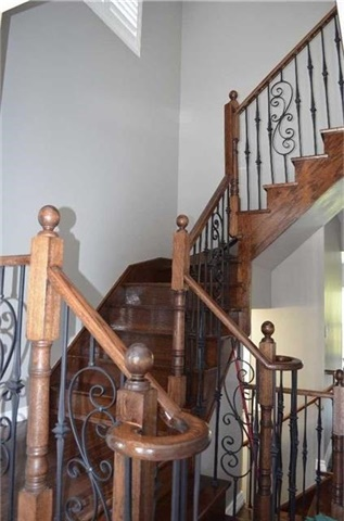 Detached at 218 Delbert Circ, Whitchurch-Stouffville, Ontario. Image 19