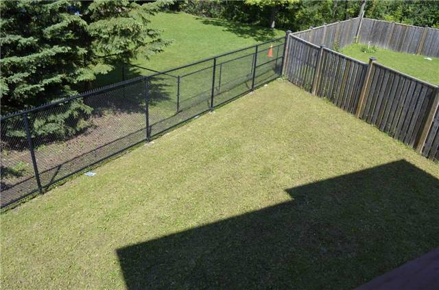 Detached at 218 Delbert Circ, Whitchurch-Stouffville, Ontario. Image 10