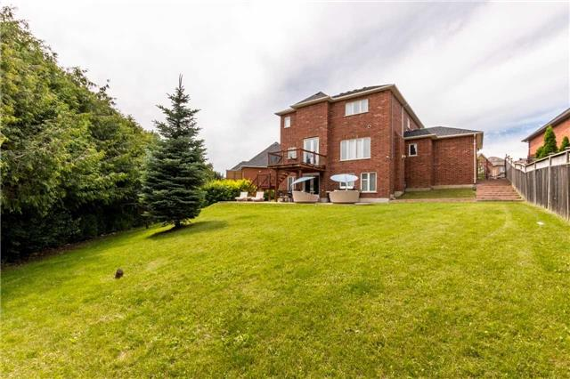 Detached at 914 Best Circ, Newmarket, Ontario. Image 11