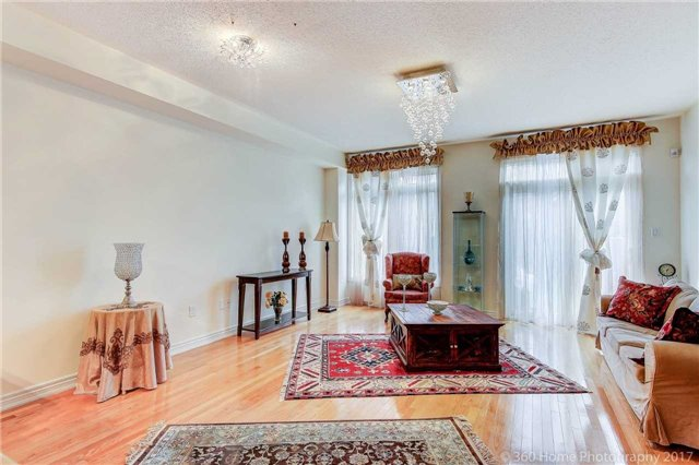 Townhouse at 31 Starwood Rd, Vaughan, Ontario. Image 5