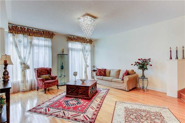 Townhouse at 31 Starwood Rd, Vaughan, Ontario. Image 6
