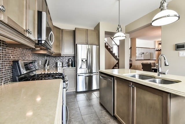 Detached at 18 Whiterose Lane, Whitchurch-Stouffville, Ontario. Image 16