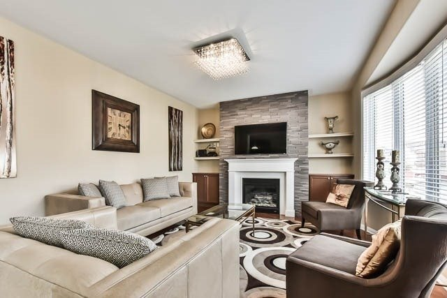 Detached at 18 Whiterose Lane, Whitchurch-Stouffville, Ontario. Image 18