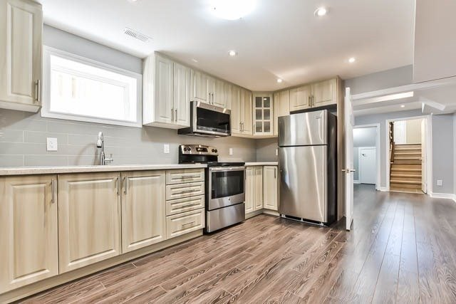 Detached at 18 Whiterose Lane, Whitchurch-Stouffville, Ontario. Image 8