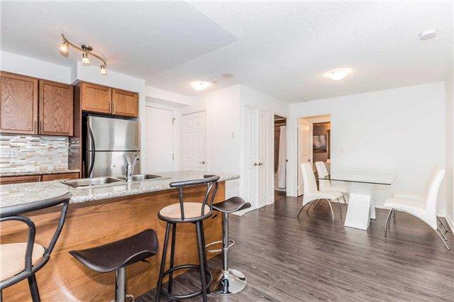 Condo Apartment at 18 Harding Blvd, Unit 623, Richmond Hill, Ontario. Image 13
