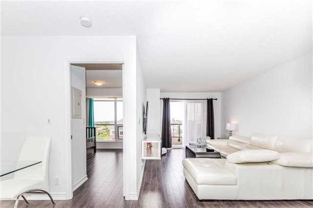 Condo Apartment at 18 Harding Blvd, Unit 623, Richmond Hill, Ontario. Image 16