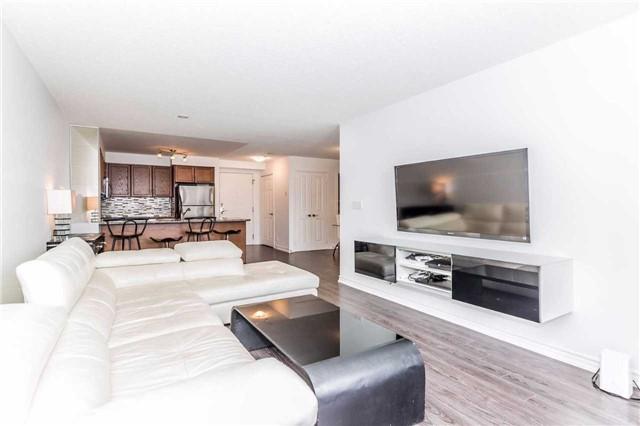 Condo Apartment at 18 Harding Blvd, Unit 623, Richmond Hill, Ontario. Image 17