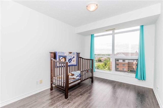 Condo Apartment at 18 Harding Blvd, Unit 623, Richmond Hill, Ontario. Image 4