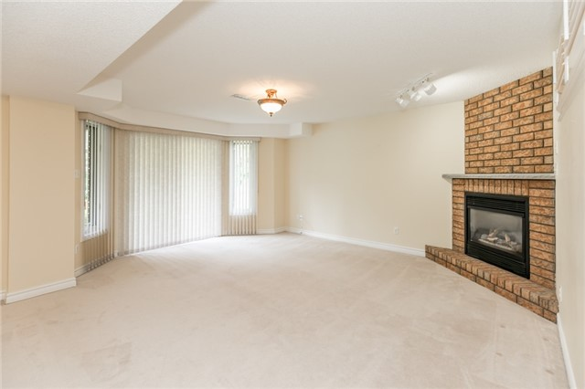 Condo Detached at 174 Riverview Rd, New Tecumseth, Ontario. Image 2