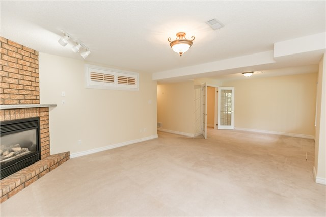 Condo Detached at 174 Riverview Rd, New Tecumseth, Ontario. Image 5