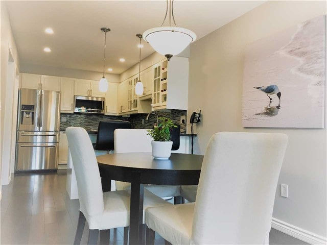 Semi-detached at 81 Long Point Dr, Richmond Hill, Ontario. Image 12