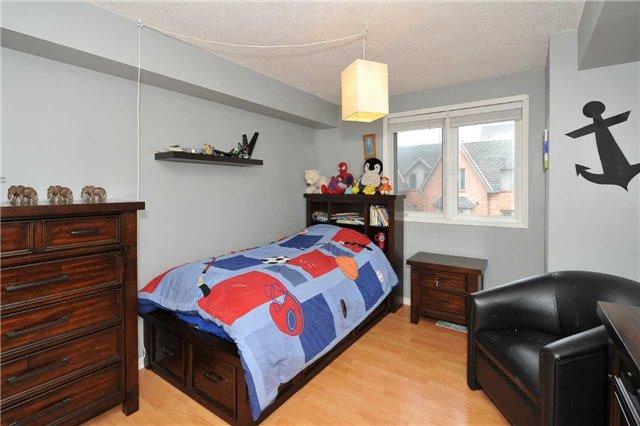 Condo Townhouse at 75 Weldrick Rd E, Unit 822, Richmond Hill, Ontario. Image 5