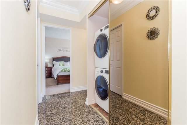 Condo Apartment at 8501 Bayview Ave, Unit 1019, Richmond Hill, Ontario. Image 17