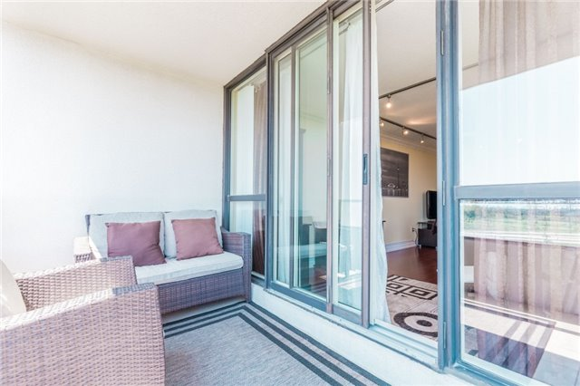 Condo Apartment at 8501 Bayview Ave, Unit 1019, Richmond Hill, Ontario. Image 8