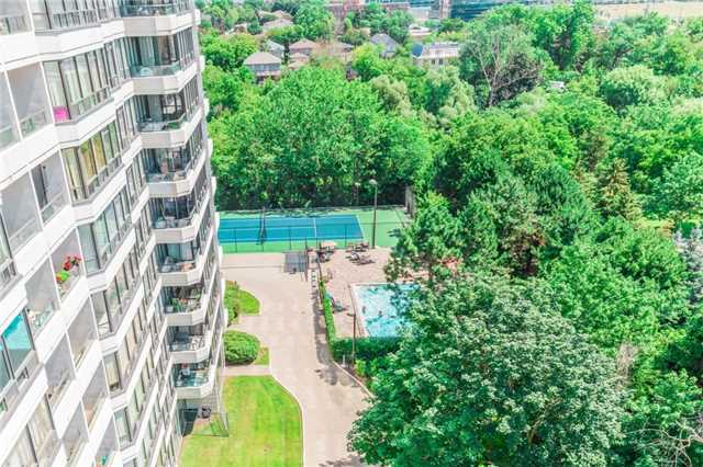 Condo Apartment at 8501 Bayview Ave, Unit 1019, Richmond Hill, Ontario. Image 9