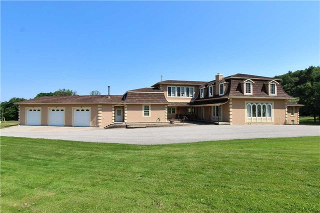 Detached at 19070 Bathurst St, King, Ontario. Image 12