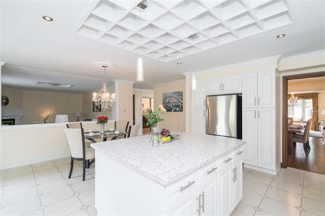 Detached at 277 Fifth Ave, Vaughan, Ontario. Image 2