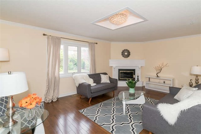 Detached at 277 Fifth Ave, Vaughan, Ontario. Image 5
