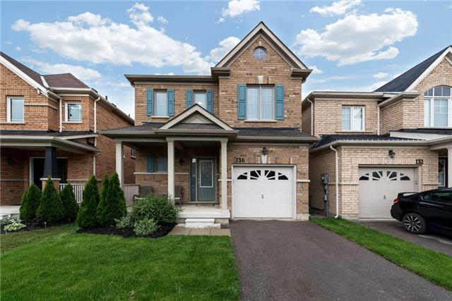Detached at 136 Rutherford Rd, Bradford West Gwillimbury, Ontario. Image 1
