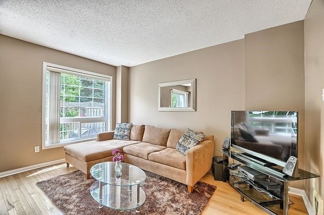 Condo Townhouse at 546 Tugwell Pl, Unit 17, Newmarket, Ontario. Image 13