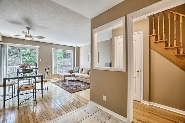 Condo Townhouse at 546 Tugwell Pl, Unit 17, Newmarket, Ontario. Image 2