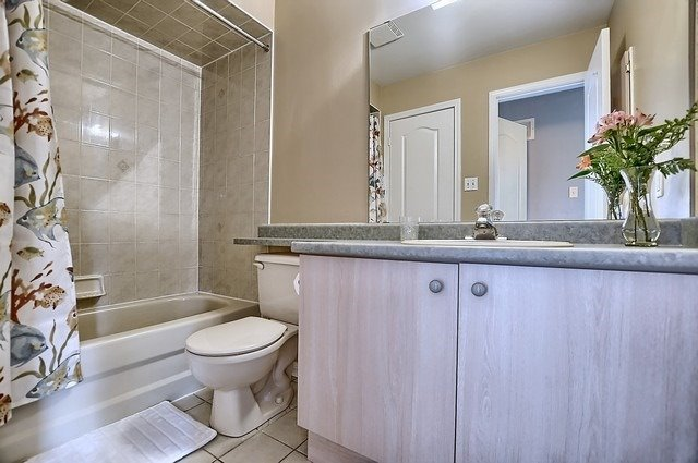 Condo Townhouse at 546 Tugwell Pl, Unit 17, Newmarket, Ontario. Image 6