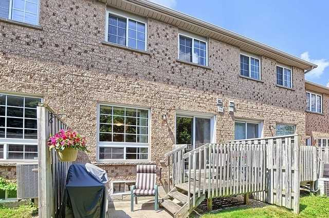 Condo Townhouse at 546 Tugwell Pl, Unit 17, Newmarket, Ontario. Image 10