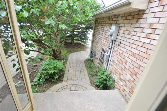 Townhouse at 1158 Inniswood St, Innisfil, Ontario. Image 15
