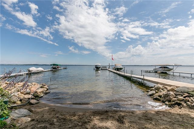 Detached at 273 Beach Rd, Innisfil, Ontario. Image 9