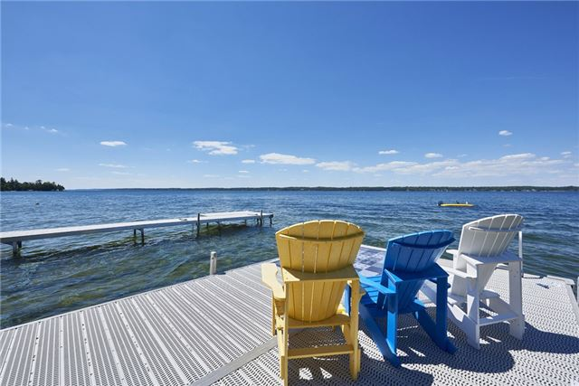 Detached at 426 Big Bay Point Rd, Innisfil, Ontario. Image 13