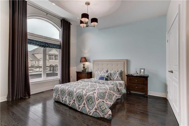 Detached at 6 White Spruce Cres, Vaughan, Ontario. Image 5