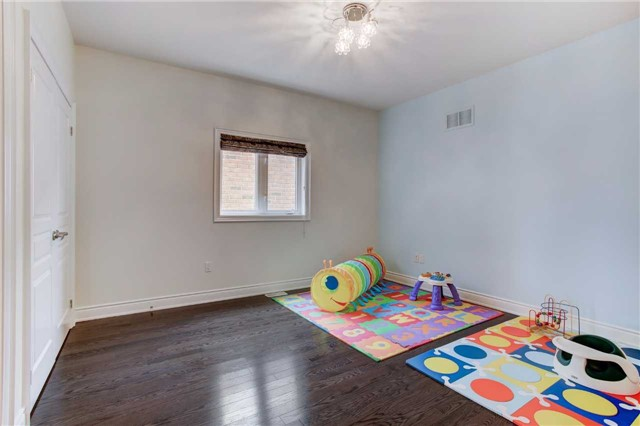 Detached at 6 White Spruce Cres, Vaughan, Ontario. Image 7