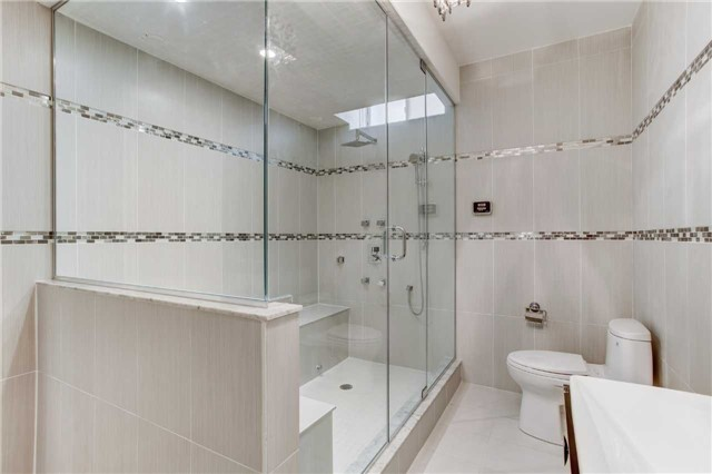 Detached at 6 White Spruce Cres, Vaughan, Ontario. Image 13