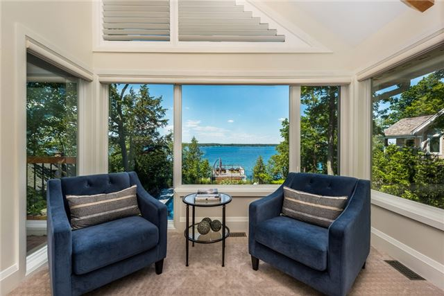 Detached at 428 Big Bay Point Rd, Innisfil, Ontario. Image 4