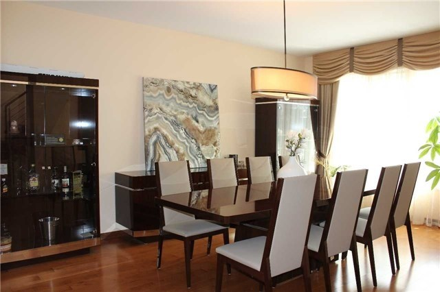 Link at 48 Carriage House Crt, Richmond Hill, Ontario. Image 10